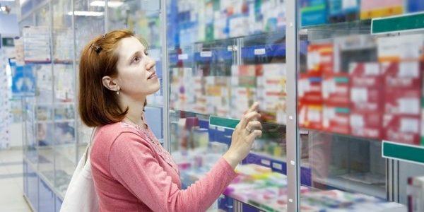 лекарства в магазине