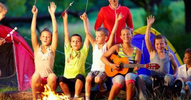 В детских лагерях станут оказывать помощь по-новому
