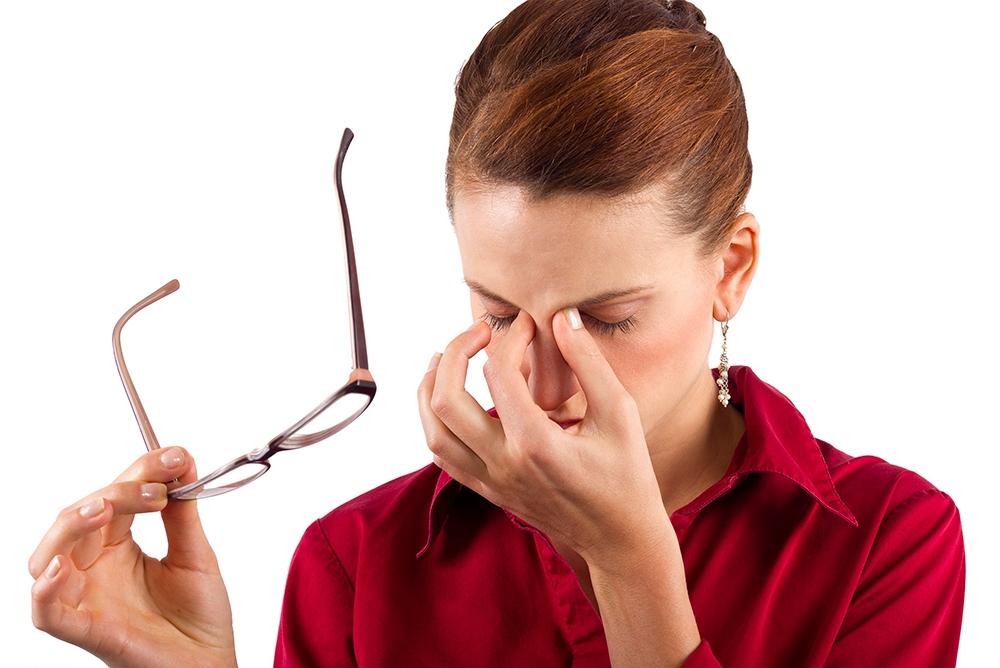 напряжение зрения и головная боль